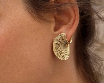 Unique Gold Earrings, 14K Gold Studs Earring, Twisted Earring,Amorphous Disk Earring,Gold Stud Earrings Women, Geometric Earrings Silver