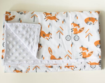 Handmade baby Blanket - White MInky Dot and white cotton with fox print+- Baby shower Gift - Baby Bedding