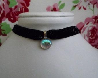 Kawaii black glitter mermaid shell choker necklace