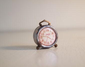 Vintage 30 pencil sharpener in the shape of an old alarm clock