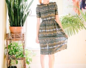 Vintage 80's 90's Dress | Flattering Shape Cinched Elastic Waist | Sm/Med | Button Up