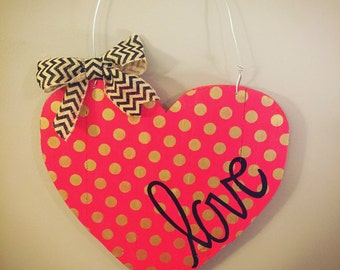 Heart sign - Valentine's Day Sign - Valentine's Day hanger - Wooden Heart - Love sign