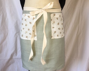 "Linen Apron - ""The Llewellyn"""