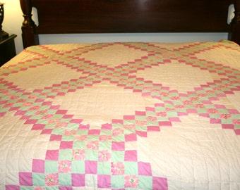 King Size Quilt//Block Quilt//Vintage King Size Quilt
