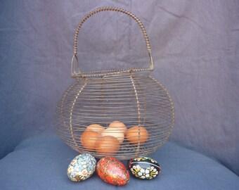 Large basket eggs 1950s