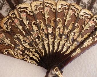 Lace fan colours black and golden