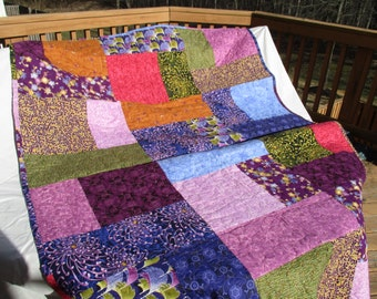 quilted throw, bed comforter, handmade quilt, bed size quilt, purple and pink, machine quilted