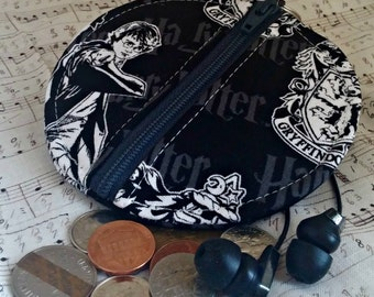 Harry Potter Earbuds Holder - Gryffindor Coin Purse - Potterhead Zippered Pouch - OOAK - Custom Made