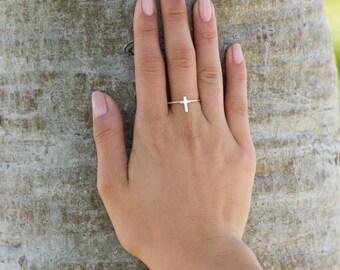 Cross Ring // Sterling Silver Ring // Faith Ring // Christian Ring // Religious Ring