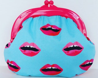 Lips Fabric, Plastic frame Purse, Quirky, Colour pop, Mouth, Clutch, Bag, Gamaguchi, Make up, colour contrast, Summer, bright, present, gift