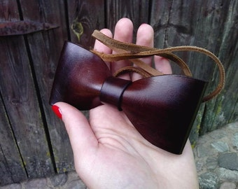 Handcrafted Leather Bowtie