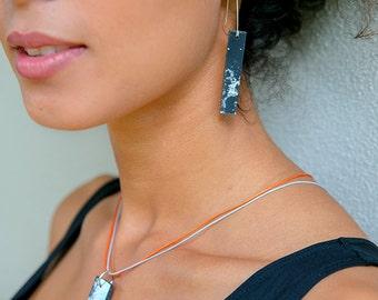 Aluminium and silver rubber necklace