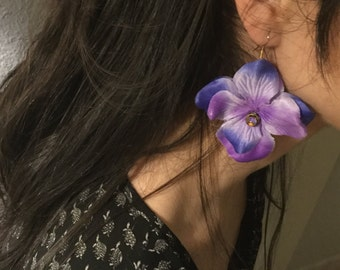Earrings with lilac flowers