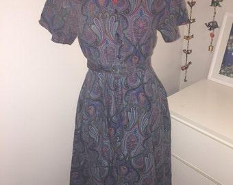 SALE 1970s full skirt Paisley pattern dress