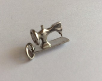 Sterling sewing machine charm antique vintage #864