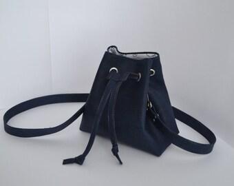 Le sac à main, cute little pouch made of Cork.