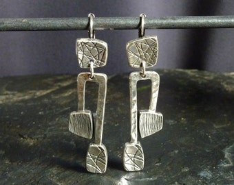 Hinged earrings in pewter silver, handcrafted