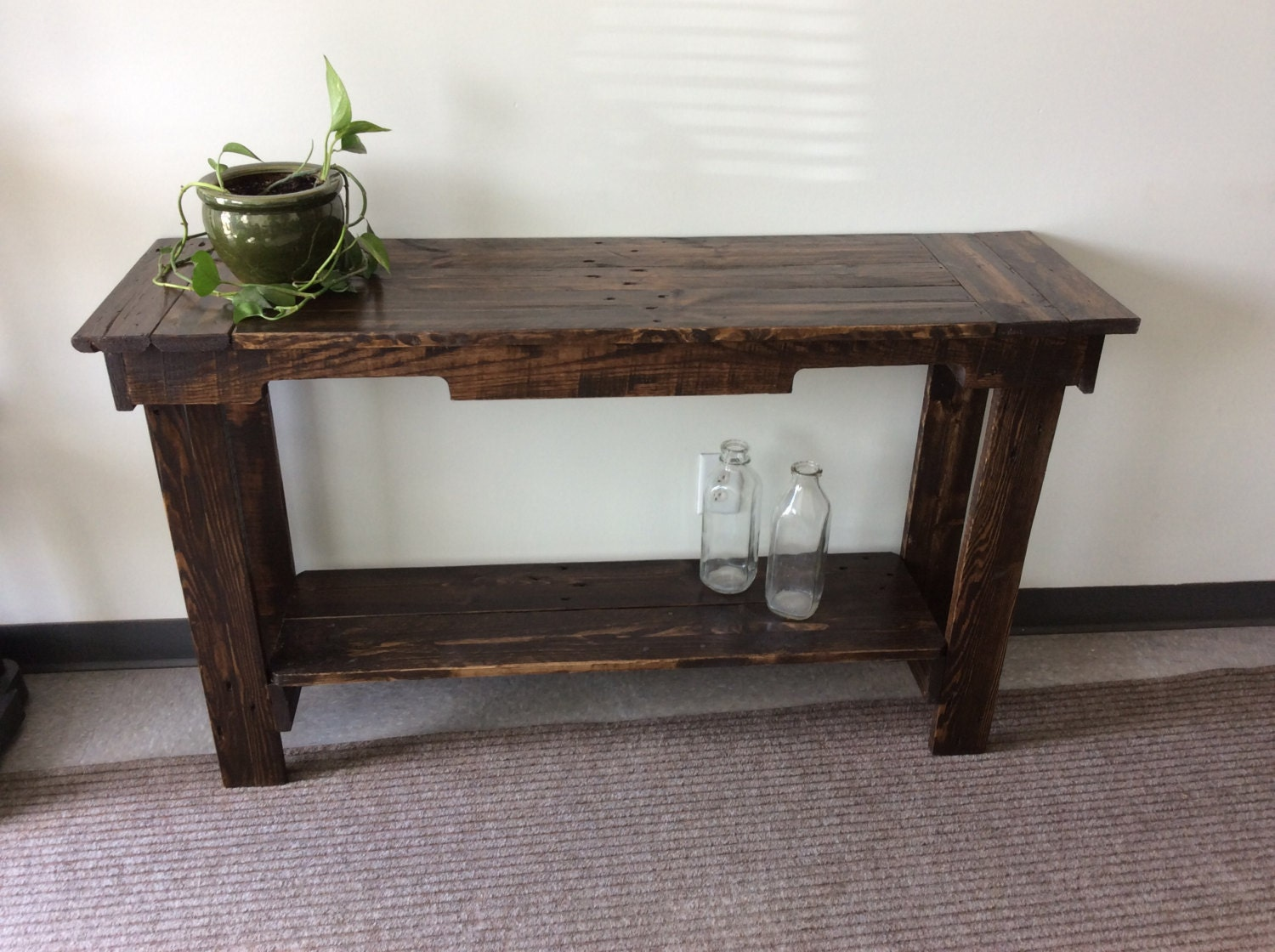 Foyer Table Runner : Wooden hallway table crafted with