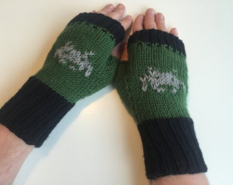 Space invaders mittens