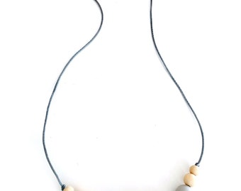 Bora Bora necklace - Silicon and wooden teething necklace for mothers and baby