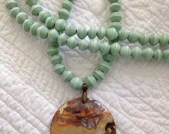 Mint Single Strand Mother of Pearl Pendant Necklace