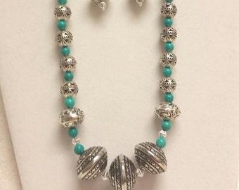 AREA 51 turquoise necklace set.