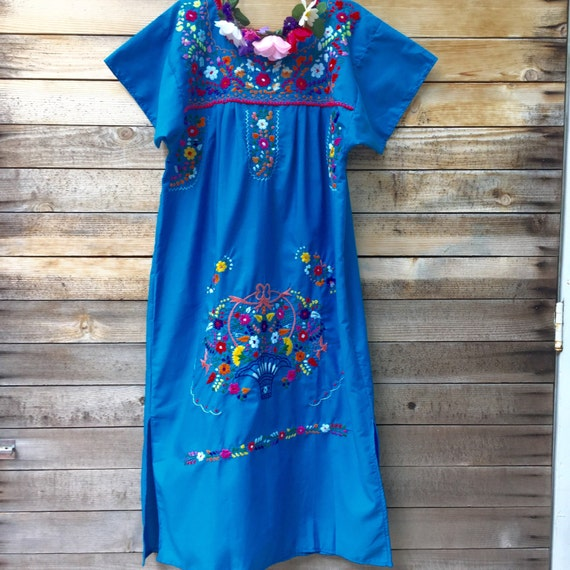 short embroidered dress - Small