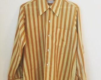 GROOVY VINTAGE 1960s Mens Shirt/Sir Walter MEDIUM