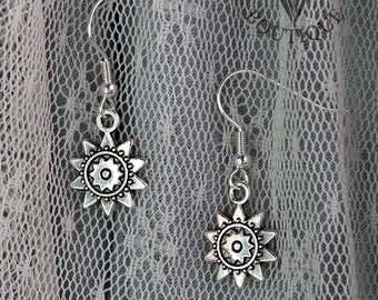 Gothic star, drop earrings in antique silver finish (Code ESP003)