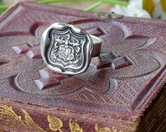 Wolf Crest Wax Seal Ring in Latin Dum Spiro Spero - While I Breathe I Hope - 198