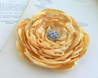 Gold Flower Hair Clip.Brooch.Pin.Light Gold.headpiece.Bridesmaid.Butter.Butter yellow.wedding.hair piece.fascinator.flower girl.accessory