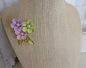 FREE SHIPPING Vintage Flower Brooch Pin Spring Bouquet Metal Jewelry