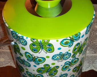 Awesome Vintage Ice Bucket Covered in Butterflies - Super Clean Like New