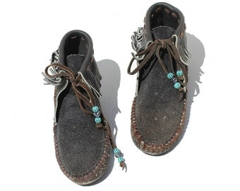 Vintage Black Suede Moccasin Booties / Leather Fringe Shoes / size 6.5