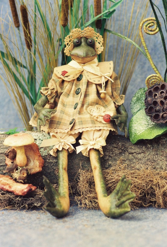 Mailed Cloth Doll Pattern - Cute little Baby Frog Doll