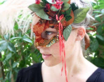 Regent - Asymmetrical Masquerade Fairy Mask in Autumn Colors
