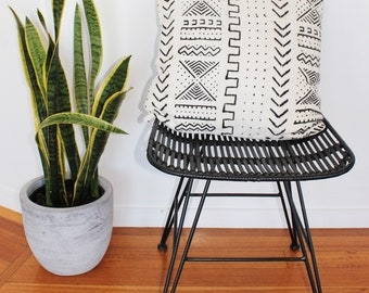 Vintage African Mud Cloth Cushion Pillow Cover - Black on white Arrows and Crosses