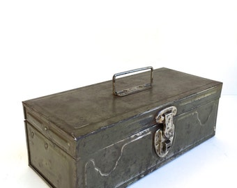 Vintage industrial Toolbox Tacklebox~ Old Metal storage chest with pull out storage~ Man cave~ For him
