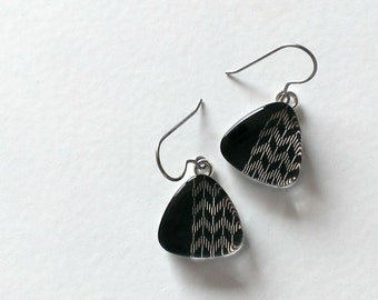Titanium Black and White Arrow Glass Dangle Earrings - Hypoallergenic - Contains No Nickle - Great For Sensitive Ears- One of a Kind