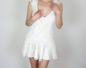 Pretty Cream Lace 80's Dress