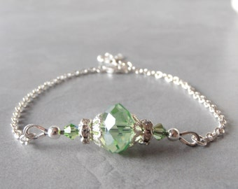 Green Bridesmaid Bracelet Peridot Crystal Bracelet Simple Bridesmaid Jewelry Crystal on Silver Chain Light Green Wedding Set Bridesmaid Gift