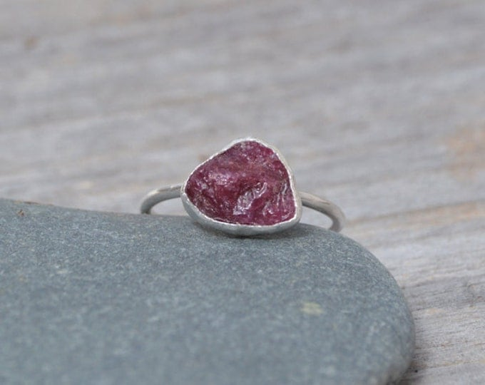 Raw Ruby Engagement Ring, Rustic Ruby Stacking Ring, 2.5ct Ruby Ring, Ruby Anniversary Ring