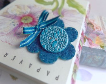 Blue statement Brooch, Felt and Ceramic Flower Brooch, large handmade button brooch, felted pin brooch, gift for her, felt & ceramic pin, uk