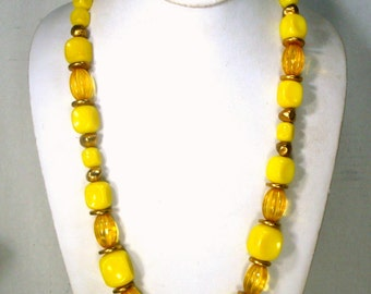 SALE, Yellow and Gold Lucite Bead Necklace, 1960s Beads Full of Sunshine, Mod, Lightweight but Substantial