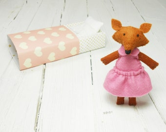 Woodland felt animal pink gold kids red fox miniature art tiny toys for BJD dolls in matchbox gold pink pocket toy plush pet Pukifee Blythe