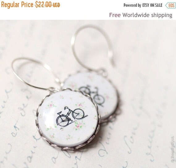 Retro Bicycle earrings - Bike jewelry - Cute earrings (E025)