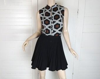 60s Mini Dress in Black & White Rattan- Geometric Print- Pleated Skirt- 1960s Mod