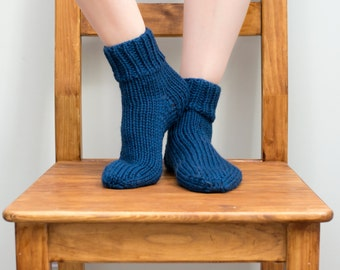 Hand Knit Wool Socks, Women's Size 6/7, Knitted Ankle Socks in Navy Blue (2002)