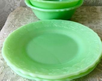 Vintage McKee Jadeite Laurel Dessert Plates FireKing 2