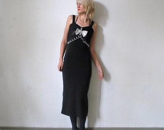SALE...80s 90s bodycon dress. kitsch party dress with pearls and bow - xs, small